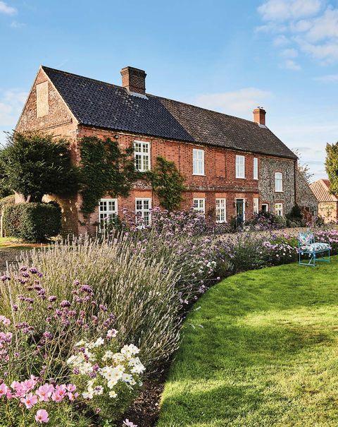 casa reformada en el campo al más puro estilo inglés