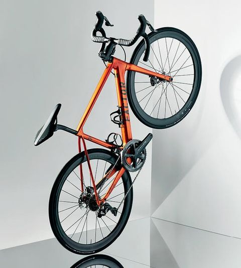 Bicycle, Bicycle wheel, Bicycle part, Bicycle tire, Bicycle frame, Vehicle, Bicycle fork, Spoke, Bicycle saddle, Bicycle accessory,