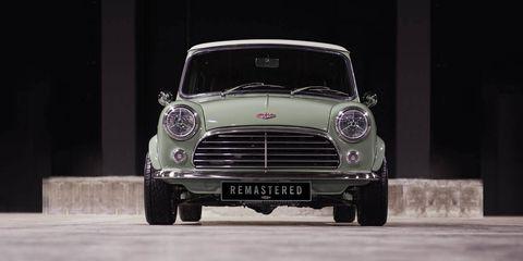 Land vehicle, Vehicle, Car, Motor vehicle, Classic car, Mini, Grille, Automotive design, Subcompact car, Mini cooper,