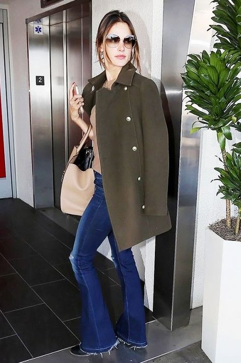Clothing, Jeans, Shoulder, Outerwear, Snapshot, Fashion, Overcoat, Footwear, Coat, Blazer,