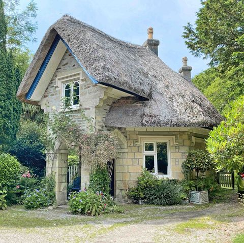 fairy tale cottage for sale in cornwall