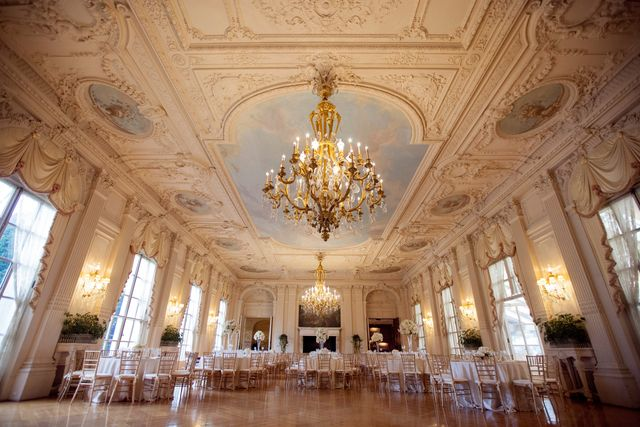 a wedding at rosecliff mansion in newport rhode island