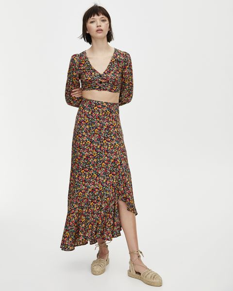 última selección Código promocional gama completa de artículos Tantas faldas largas y sólo esta de Pull&Bear de 23 € está ...