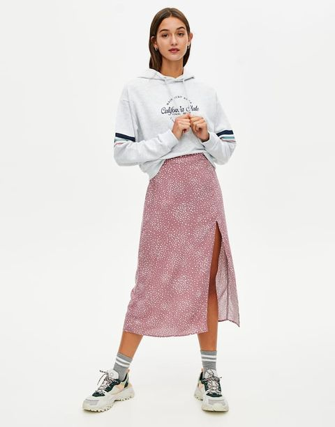 18f9b2afb Echa un vistazo a esta falda larga rosa de Pull&Bear de 18 €
