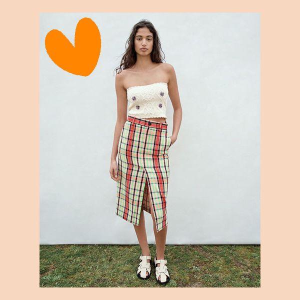 zara diseña una falda de cuadros que tiene la fórmula mágica para la primavera súmale un top de crochet y tus converse blancas y el resultado es éxito seguro