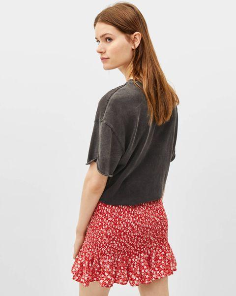 c63a6e358 Bershka tiene la falda comodín del verano por menos de 16 euros