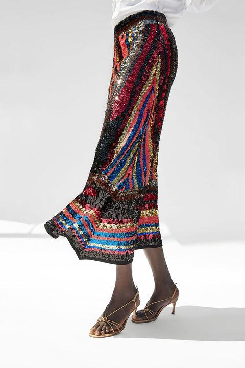 ef88d9455 Esta es la falda de lentejuelas de Zara que no vas a dejar de ver en ...