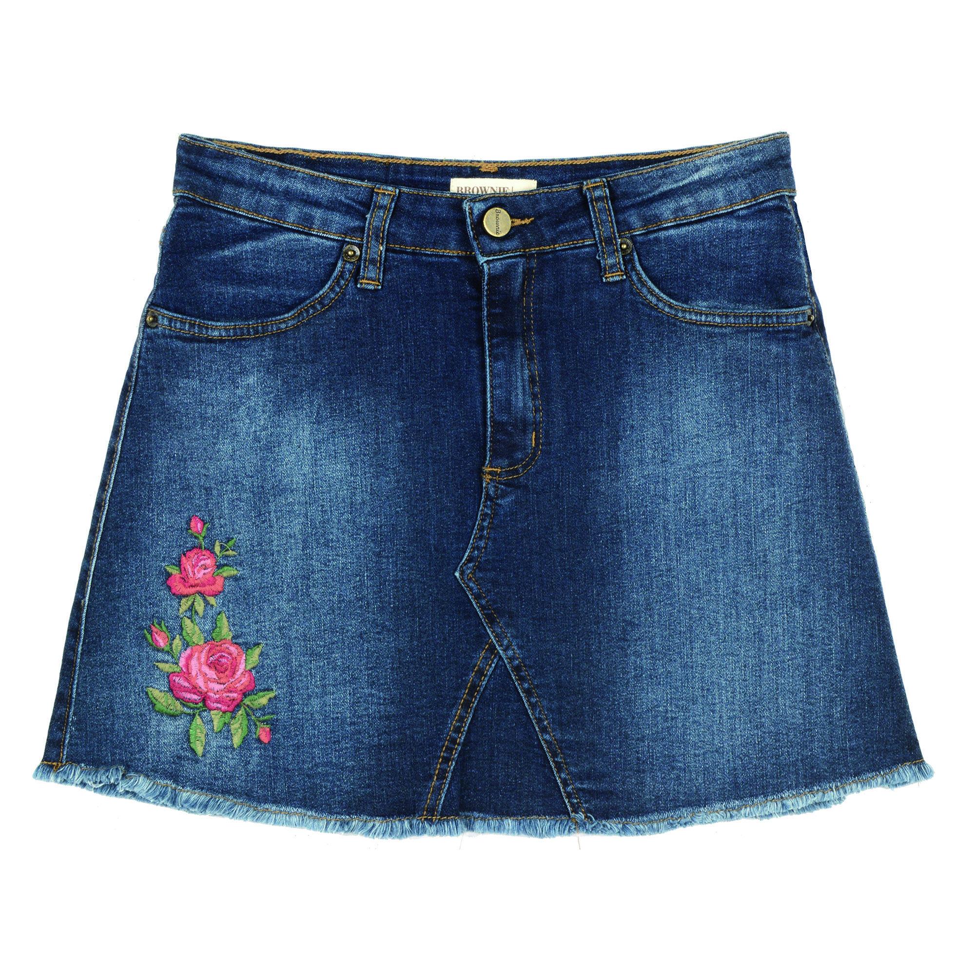 cb3cd71f4b Faldas vaqueras para dar un descanso a tus  jeans  - Compras  la falda  vaquera será tu aliada