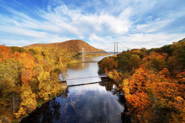 fall bear mountain bridge