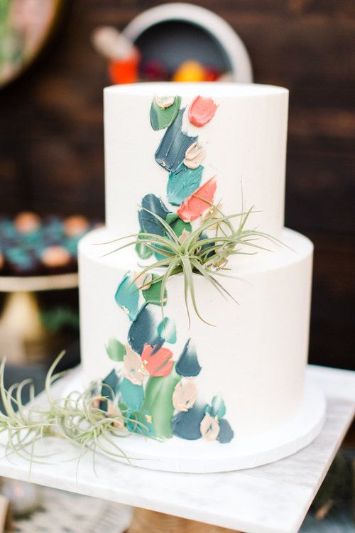 brushstroke wedding cake for fall