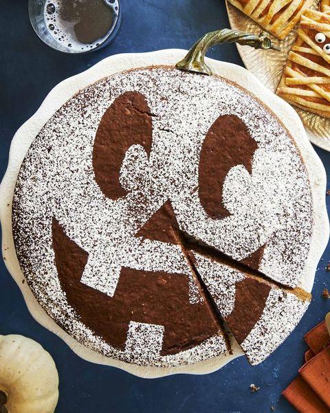 spiced pumpkinmolasses cake