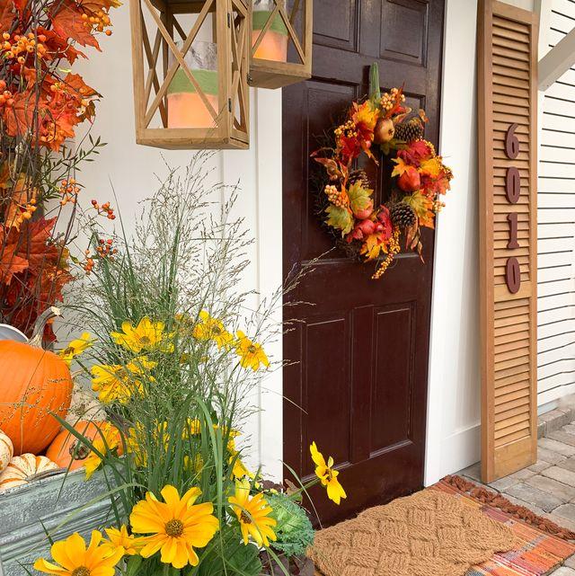 seasonal fall holiday decorating front door autumn decor