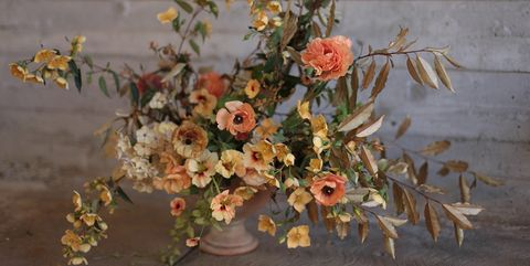 Fall flower arrangements pretty autumn floral arranging ideas fall flower arrangements mightylinksfo