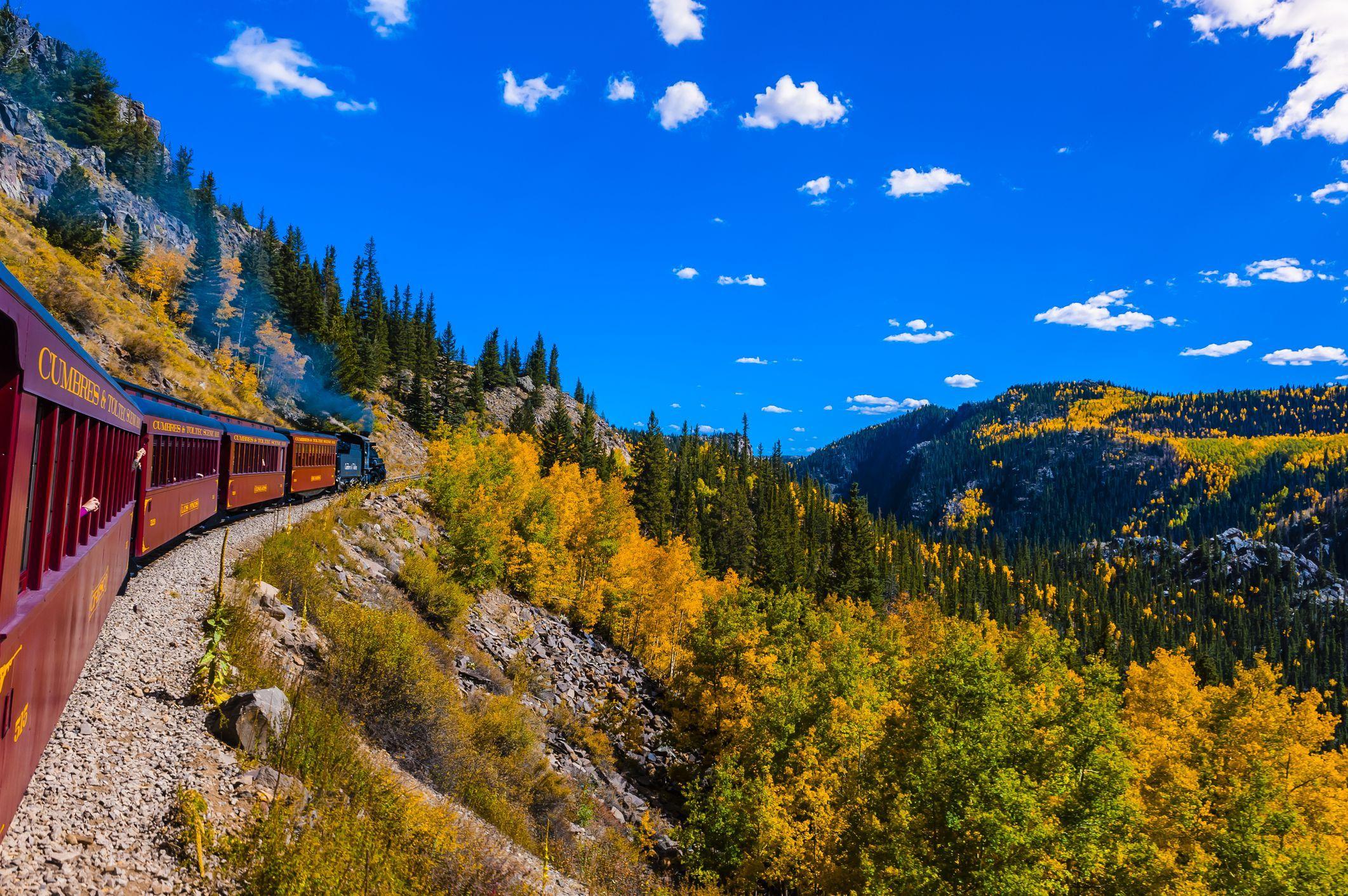 8 best fall foliage train rides fall leaf peeping train tours freerunsca Choice Image