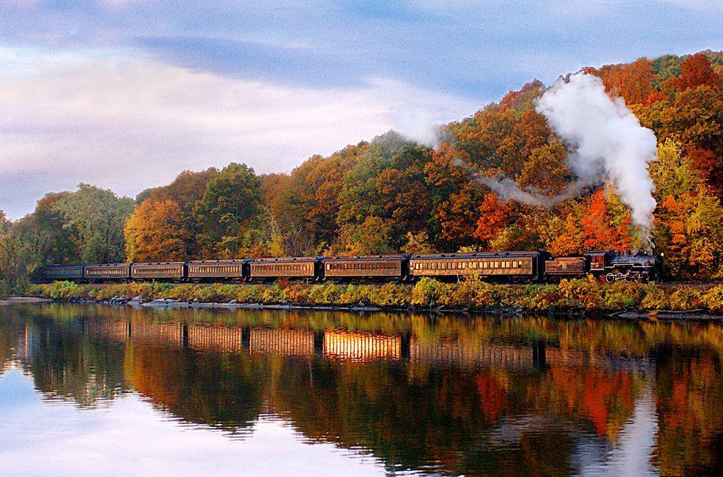 8 best fall foliage train rides fall leaf peeping train tours