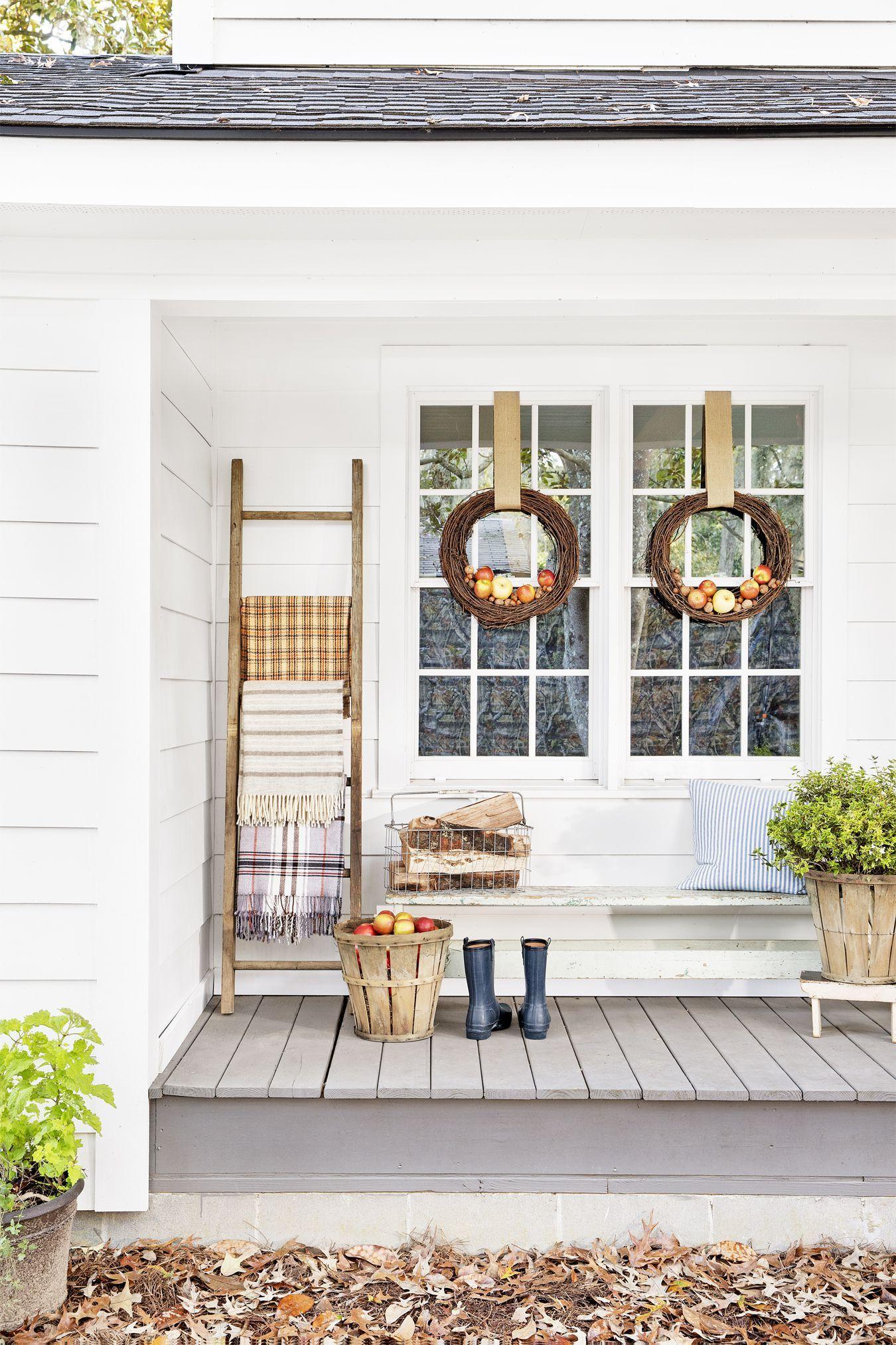 225 & 50 Fall Porch Decorating Ideas - Outdoor Fall Decor