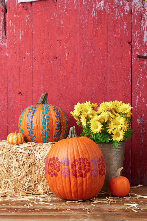 fall porch decor pumpkins