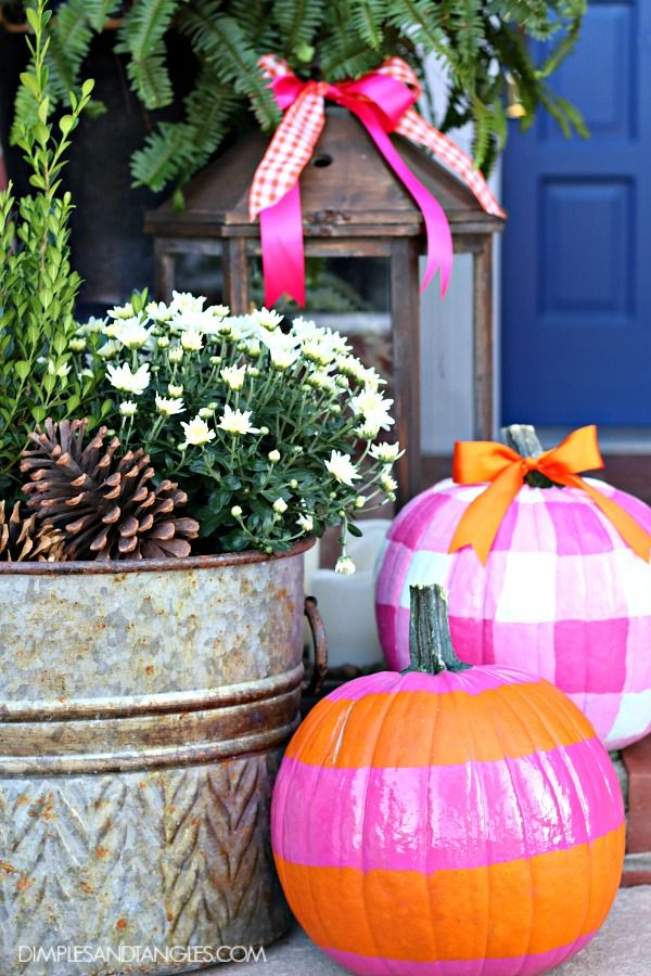 fall porch decorating pink