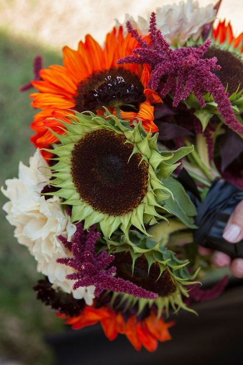 fall sunflower fall wedding bouquets