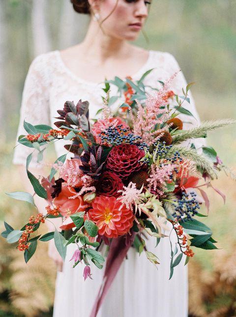 burgundy fall wedding bouquet