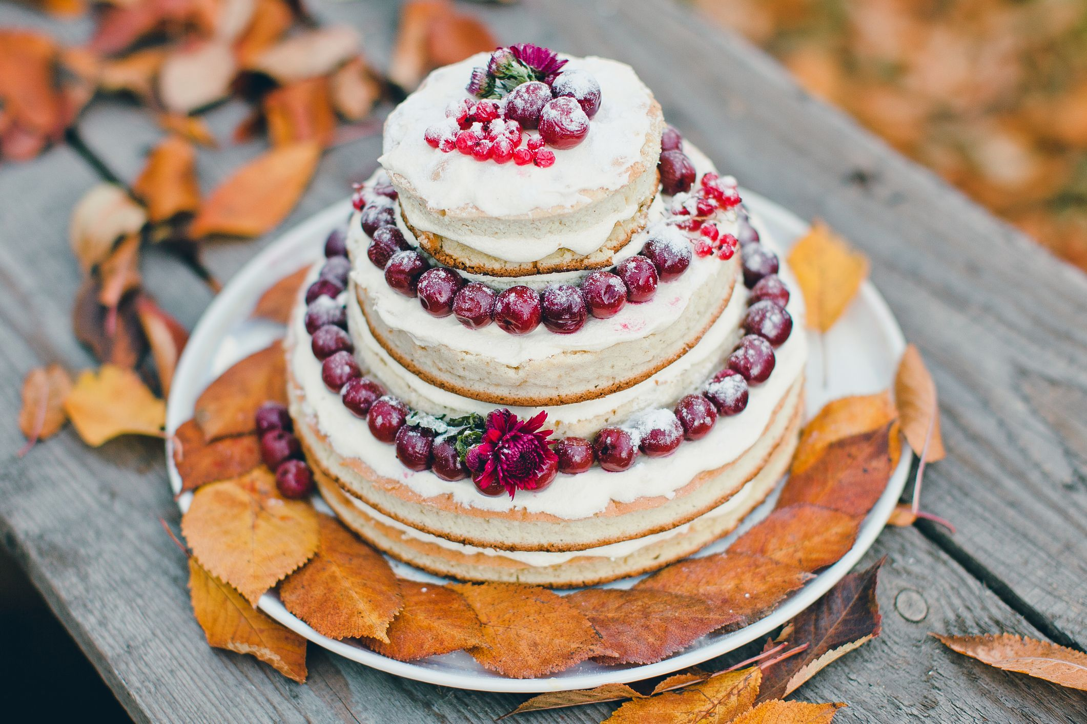 20 Best Fall Wedding Cakes That Are Perfect for Your Autumn Nuptials