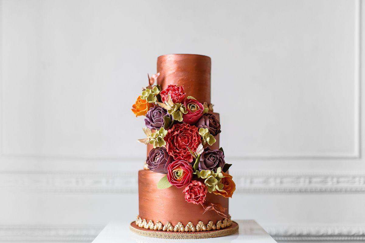 15 Elegant Fall Wedding Cakes - Ideas for Fall Wedding Cake Flavors ...