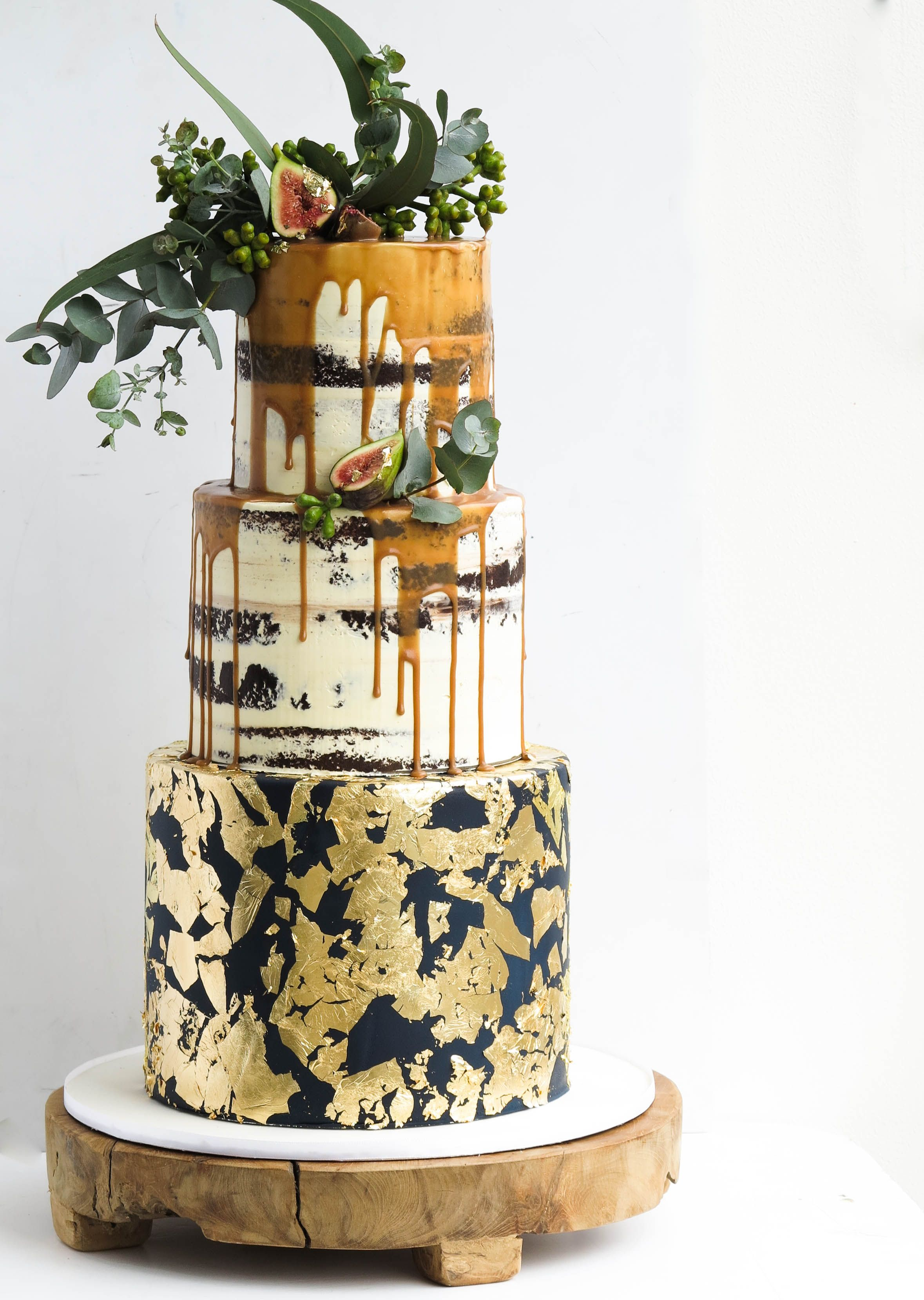 15 Elegant Fall Wedding Cakes - Ideas for Fall Wedding Cake Flavors ...
