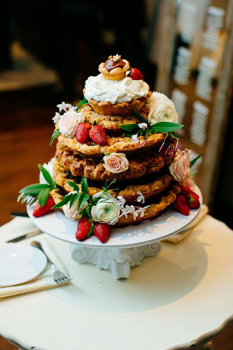 fall wedding cakes pie tower
