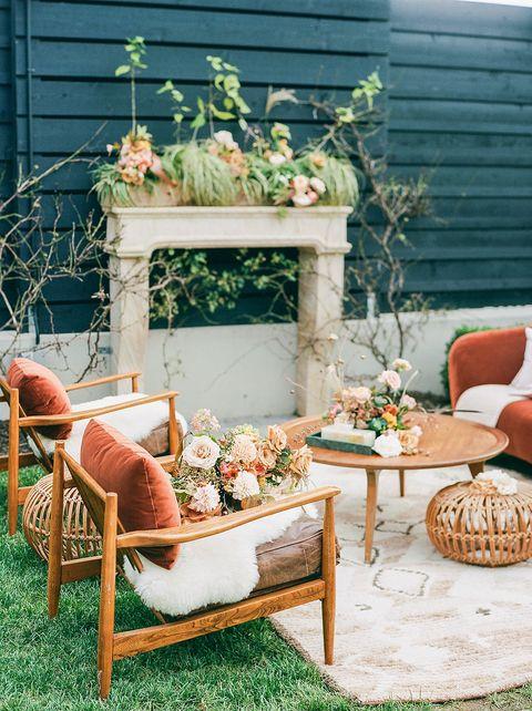 fall wedding idea cocktail lounge
