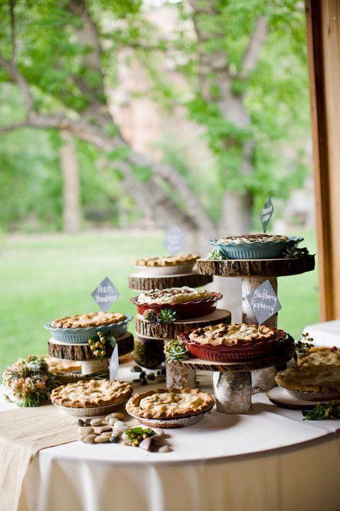 fall wedding idea pie bar