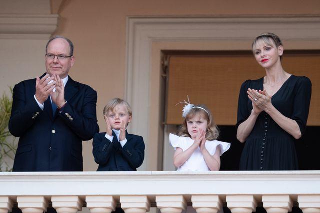la foto di natale della royal family di monaco è arrivata ed è splendida
