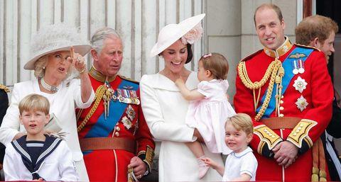 Carlos de Inglaterra presume de nietos