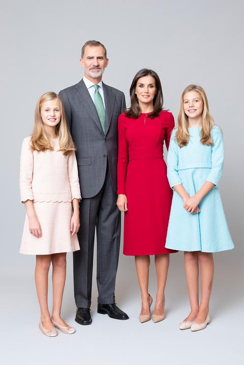 posado oficial familia real al completo2020