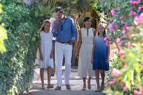 familia real visita cultural mallorca casa museo son marroig