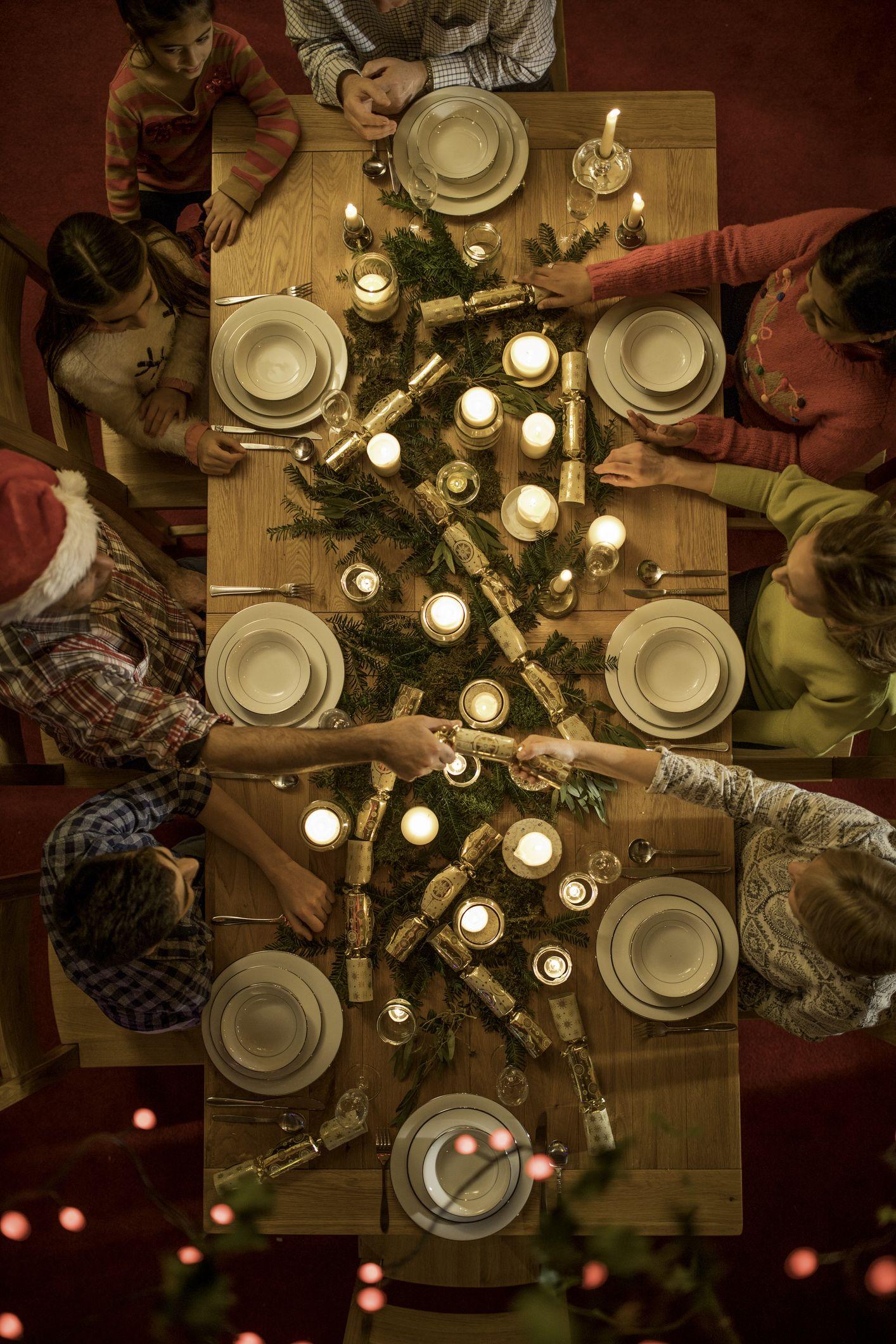 15 Best Christmas Dinner Prayers 2019 Prayers For Families At Christmas Dinner