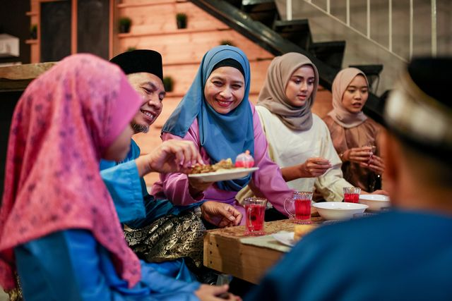what is ramadan   family gathering and eat together