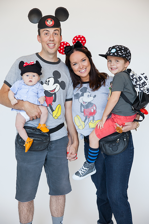 disneyland tourists family halloween costumes