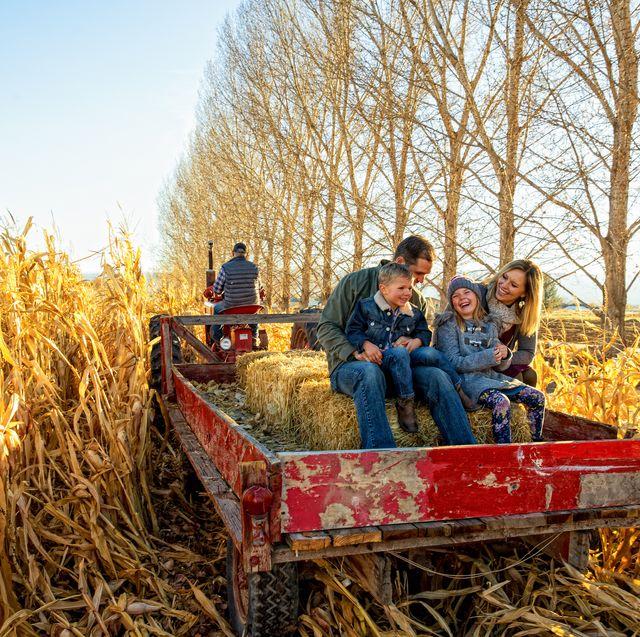 fall activities family hayride