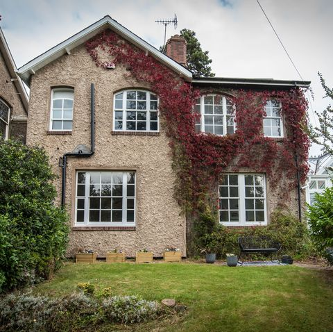 modern family home for sale in warwickshire