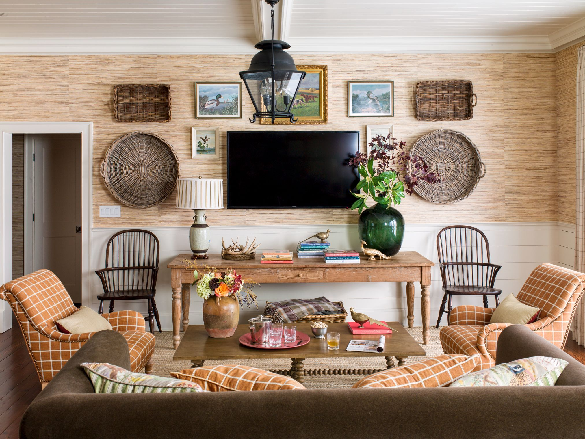 15 Family Room Decorating Ideas - Easy Family Room Design Ideas