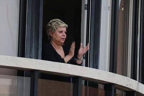 Famosos aplauden desde sus balcones