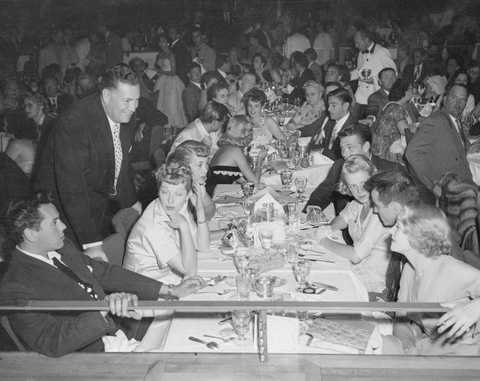 hollywood entertainers at banquet