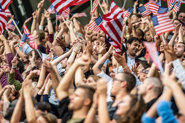 usa fans waving flags