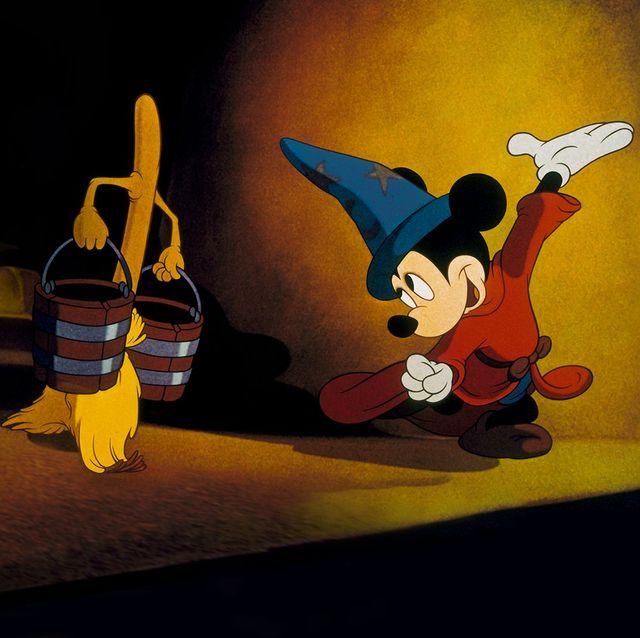 mickey como el aprendiz de mago en fantasía