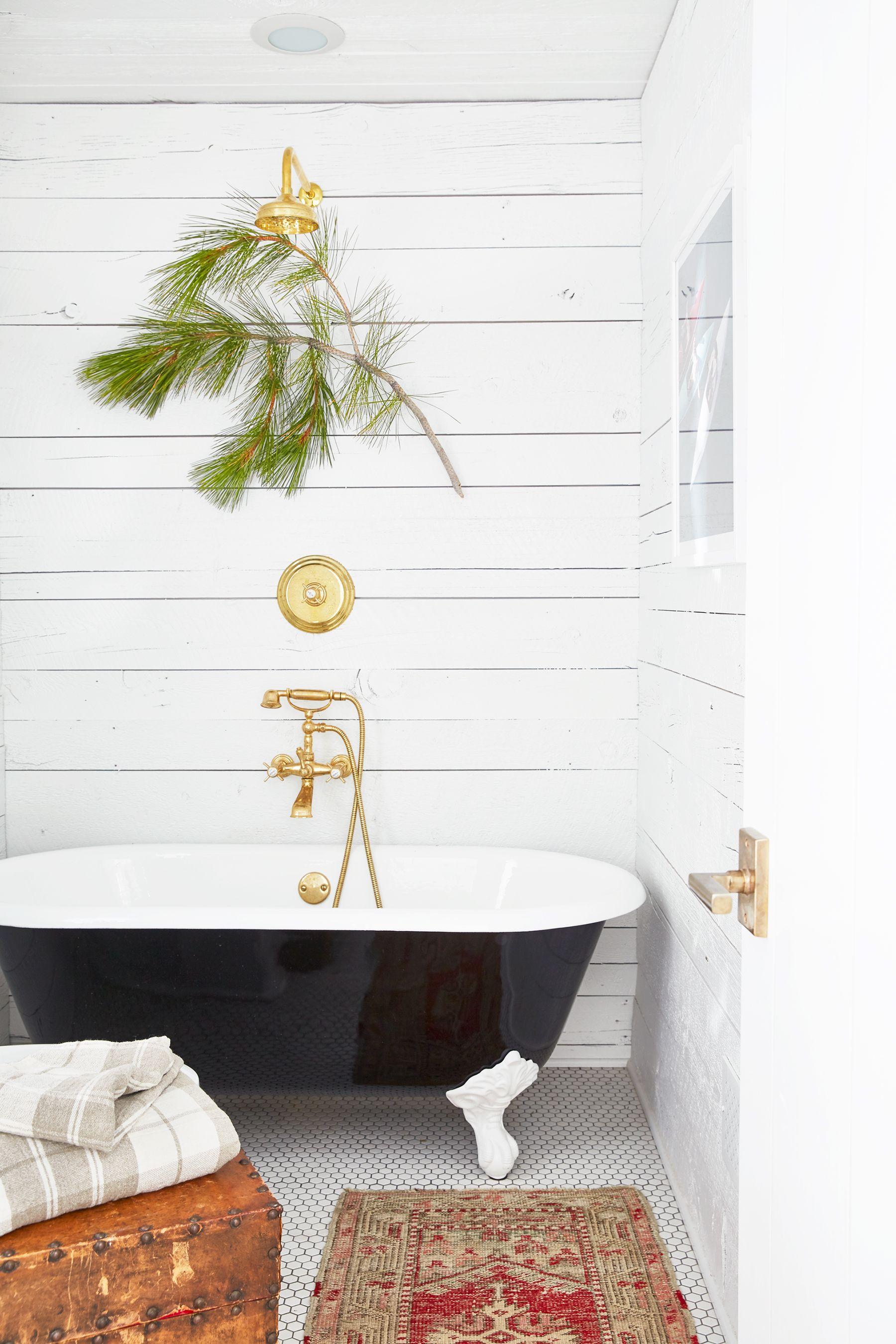 20 Best Farmhouse Bathroom Design Ideas, Modern Farmhouse Bathroom Wall Decor Ideas