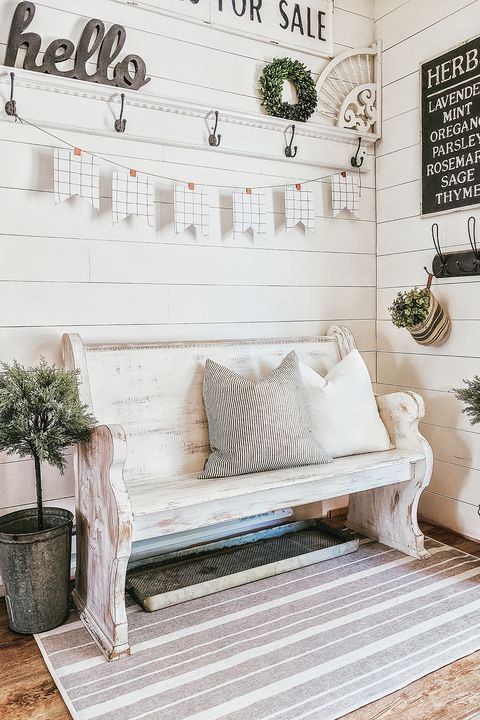 farmhouse decor - entryway