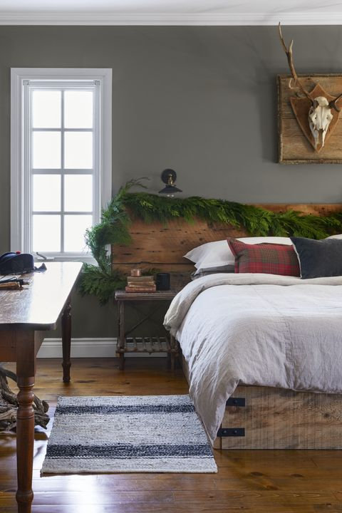 Farmhouse Decor Ideas Headboard