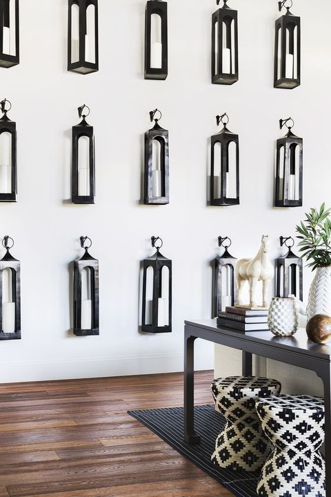 farmhouse decor - lantern wall