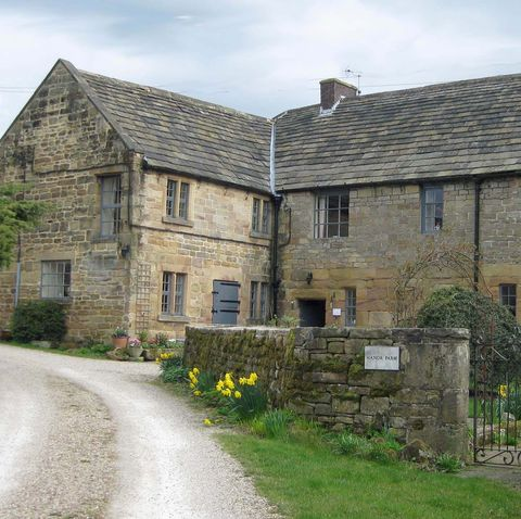 Country farmhouse for sale