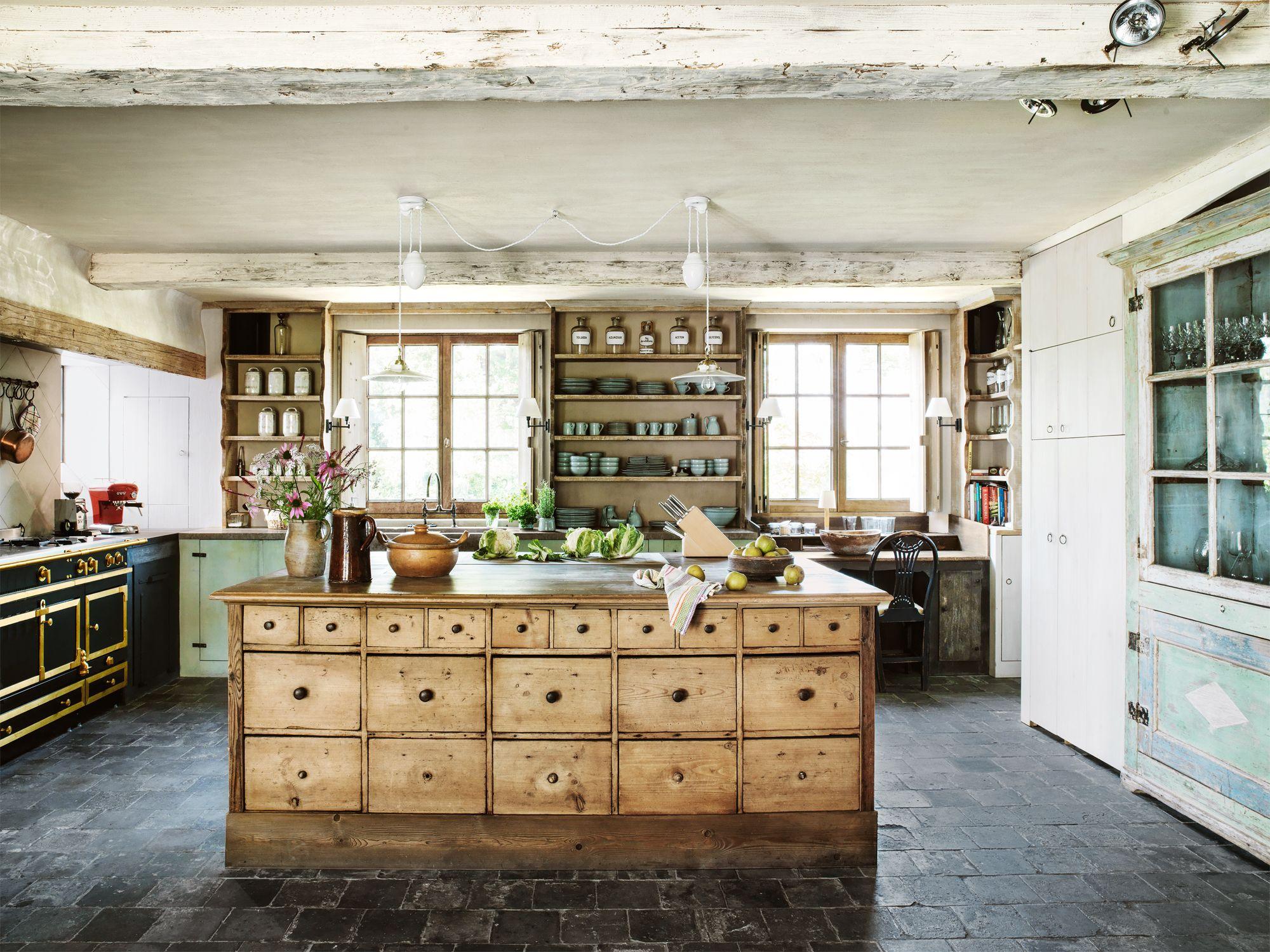 farmhouse kitchen wood